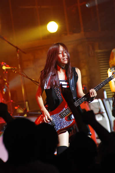 SCANDAL VIRGIN HALL TOUR 2011「BABY ACTION」 - Page 3 _big1310