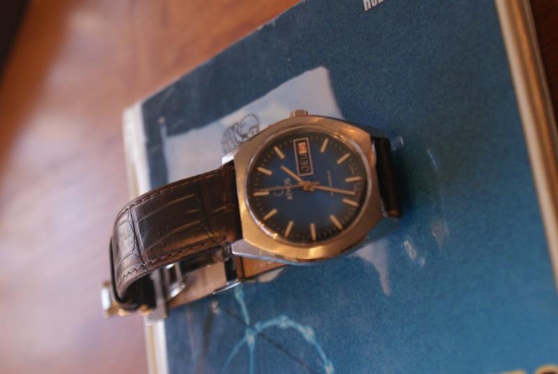 Jaeger -  [Le TOPIC des demandes d'IDENTIFICATION et RENSEIGNEMENTS de montres est ICI] - Page 39 Dsc00514