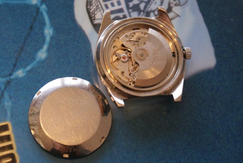 Jaeger -  [Le TOPIC des demandes d'IDENTIFICATION et RENSEIGNEMENTS de montres est ICI] - Page 39 Dsc00516