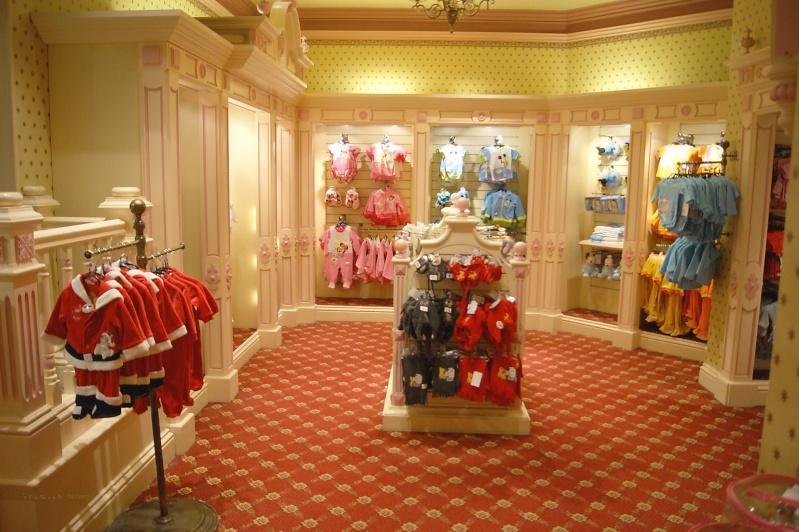 Descriptif des boutiques du Parc Disneyland (en construction) Clothi13