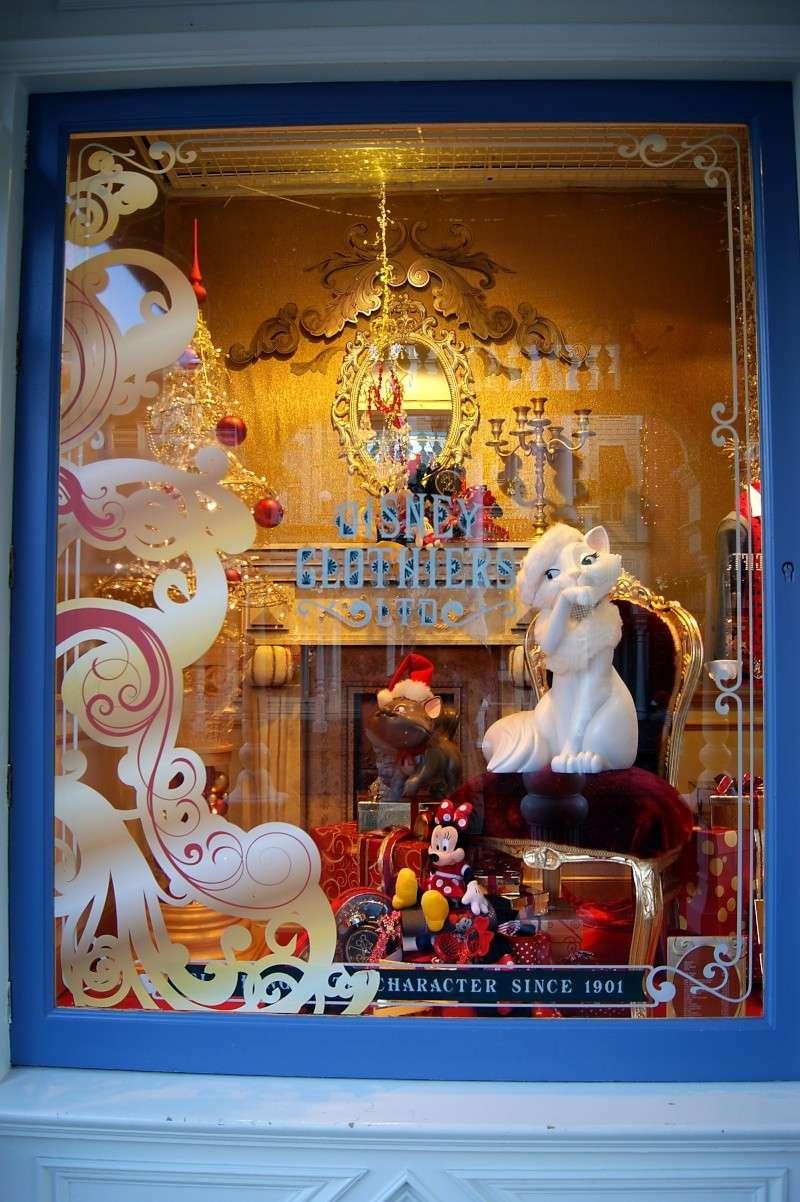Descriptif des boutiques du Parc Disneyland (en construction) Clothi16