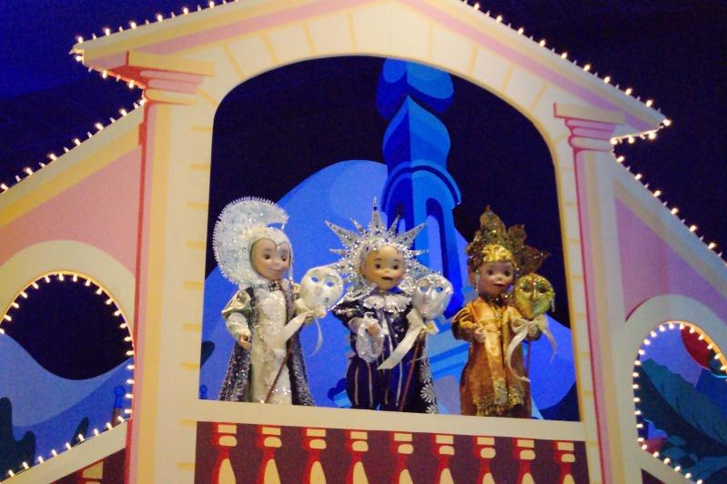 It's small world re- décoré  pour Noël - Page 6 Iasw110