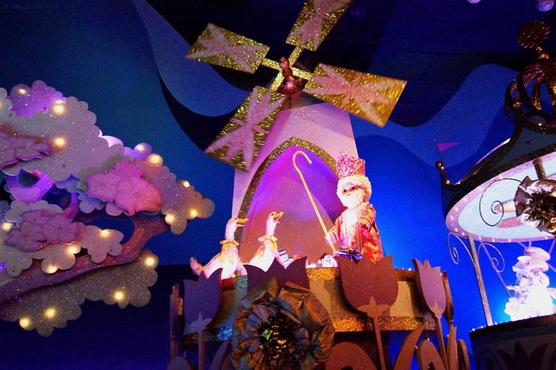 It's small world re- décoré  pour Noël - Page 6 Iasw410