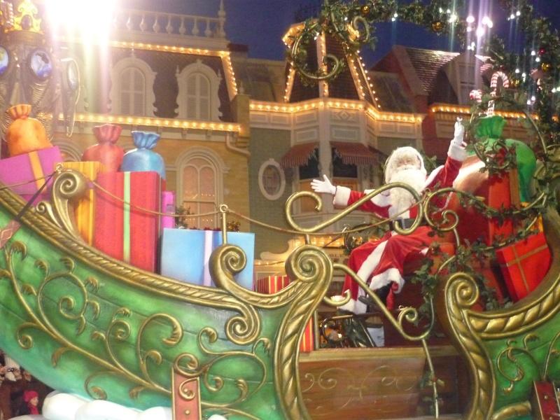 Saison de noël : Le Noël Enchanté Disney du 7 novembre 2011 au 8 janvier 2012 - Page 16 P1030210
