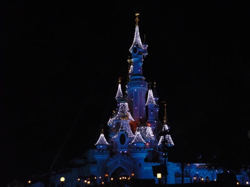 Saison de noël : Le Noël Enchanté Disney du 7 novembre 2011 au 8 janvier 2012 - Page 16 P1030411