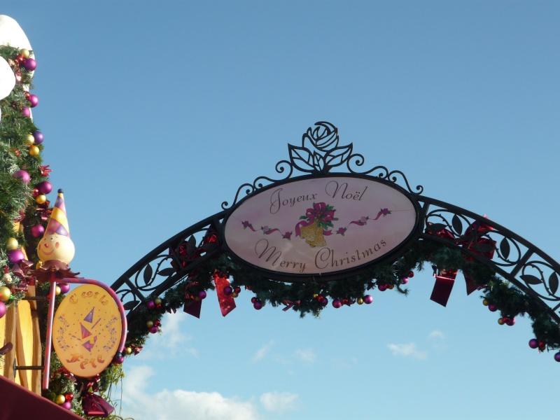 Saison de noël : Le Noël Enchanté Disney du 7 novembre 2011 au 8 janvier 2012 - Page 16 P1030412