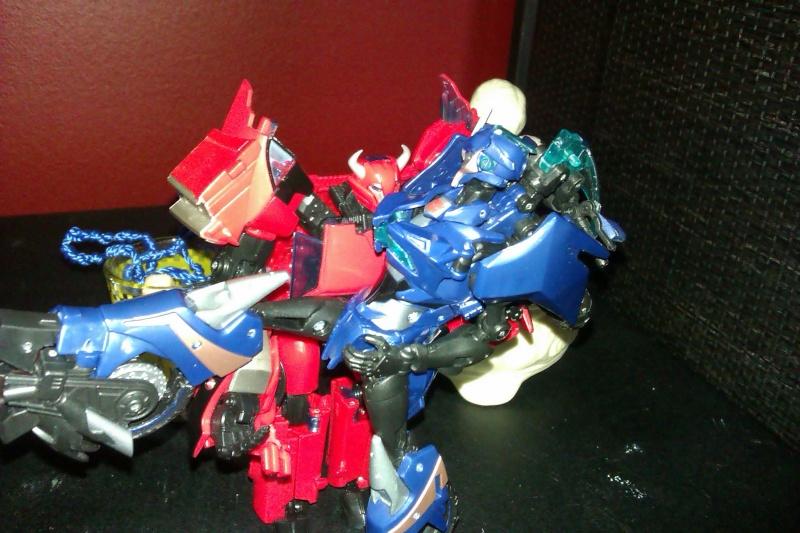 Vos montages photos Transformers ― Vos Batailles/Guerres | Humoristiques | Vos modes Stealth Force | etc - Page 4 Imag0011