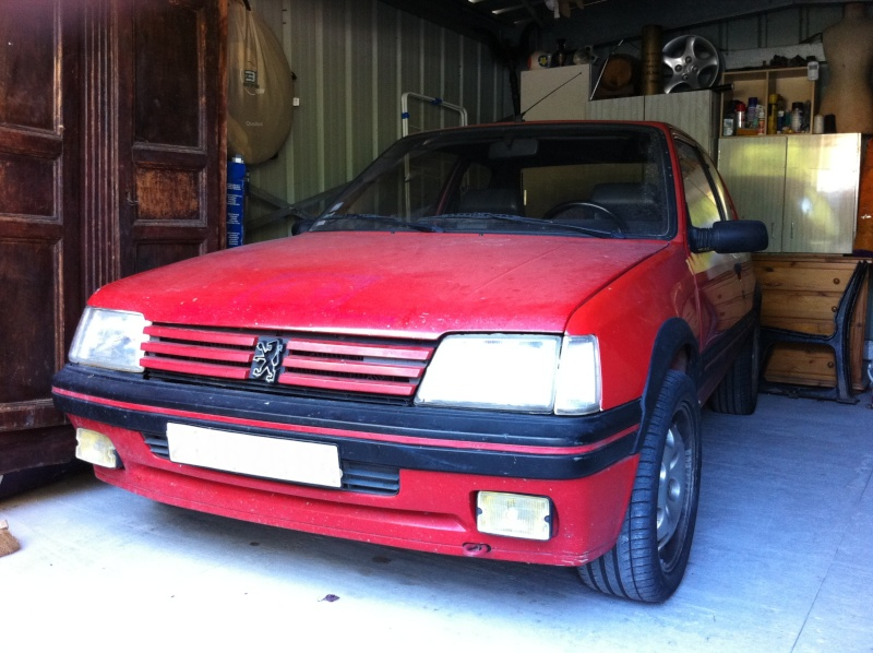 [David84] 205 GTI 1.6L 115cv Rouge Vallelunga 1992 2510