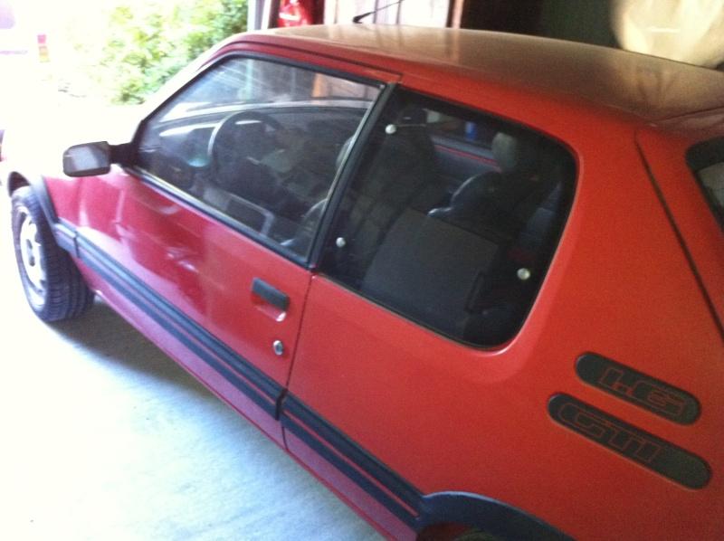 [David84] 205 GTI 1.6L 115cv Rouge Vallelunga 1992 2610