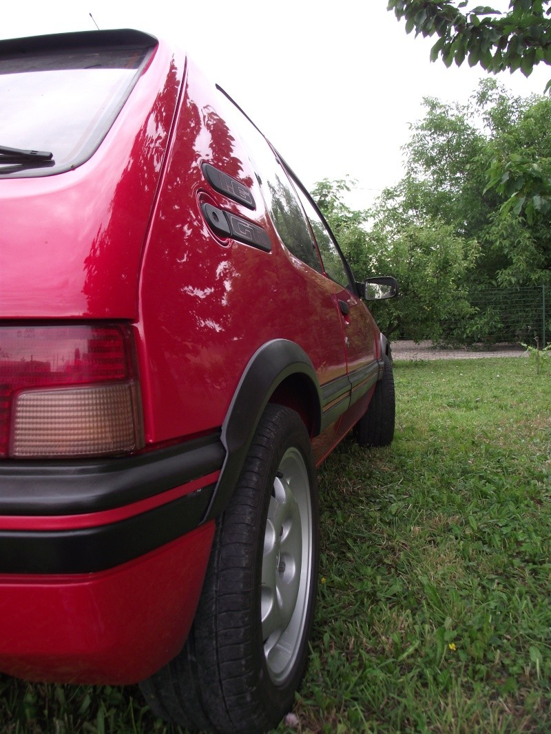 [David84] 205 GTI 1.6L 115cv Rouge Vallelunga 1992 - Page 5 Dscf2462