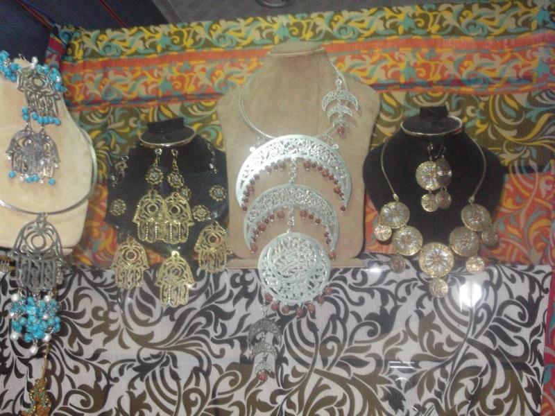بالصور  جولة داخل جاليرى الطاهرة عمارى    شاعر الحرية 59916810