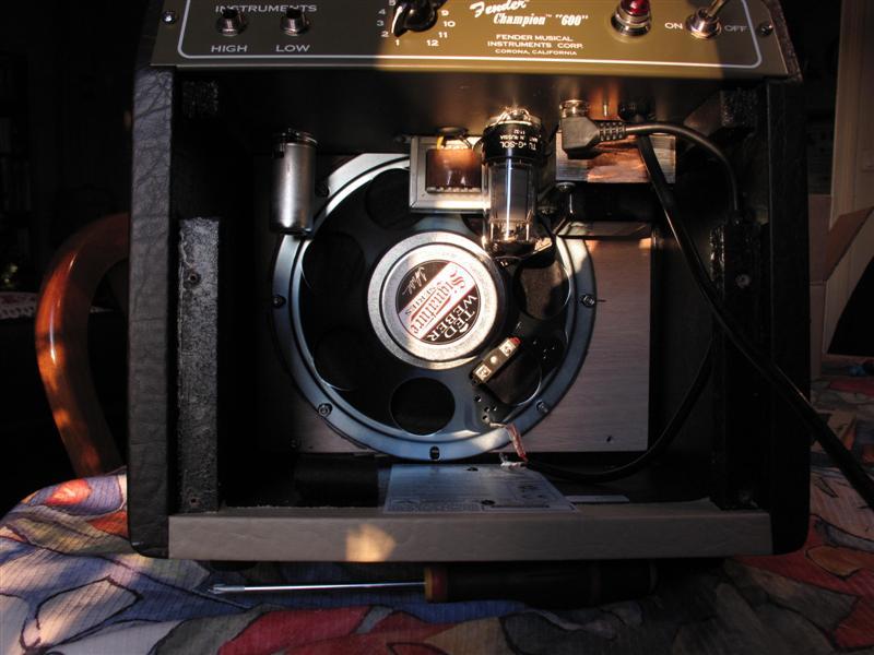 """Modifier le Fender Champion 600 avec un Weber Alnico 8"""" S Shure_19"""