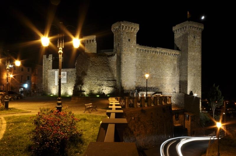 Castello di Bolsena by night! Immagi24