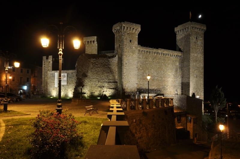 Castello di Bolsena by night! Immagi26