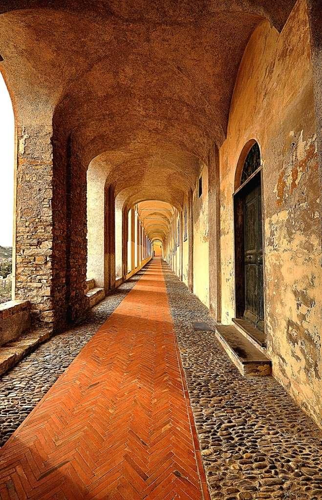 Loggiato di S.Chiara a Imperia Immagi39
