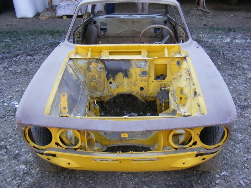 début restauration coupe bertone 1750 Dscf3516