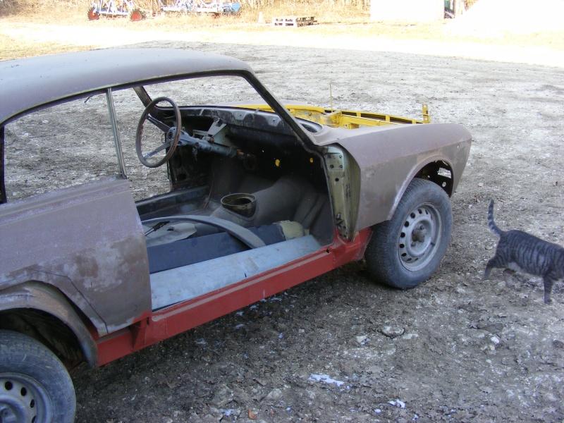début restauration coupe bertone 1750 Dscf3518