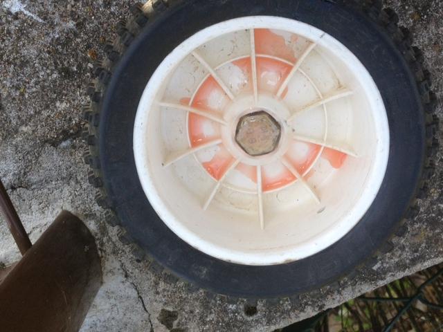 Réparation/Réparer d'un hexa de roue arrondi/jante - Page 2 Rapara11