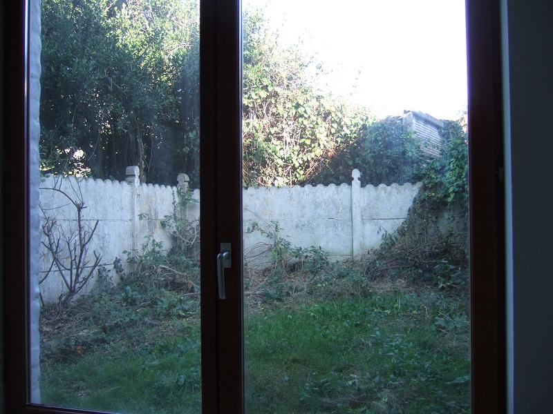 En avant pour l'aménagement de mon petit jardin !  Dscf9410