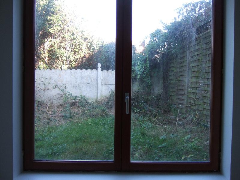En avant pour l'aménagement de mon petit jardin !  Dscf9411