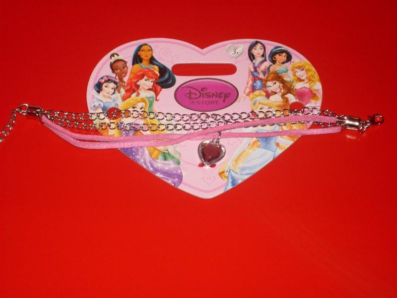 [Disney Store] 2012 : l'Année des Princesses - Page 2 Sdc10014
