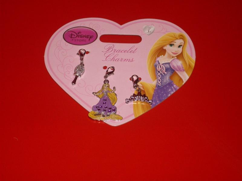 [Disney Store] 2012 : l'Année des Princesses - Page 2 Sdc10017