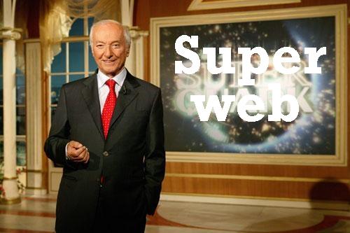 Super Web : un'indagine esplorativa sulle strane forme di vita dell'etere Angela10