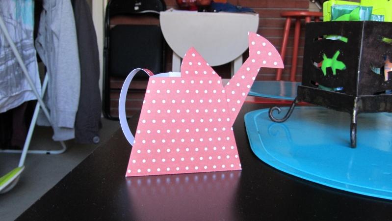 Arrosoir pour Pâques en papier Img_0122