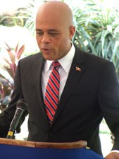 Martelly prouve sa nationalité haitienne. Gimg1810