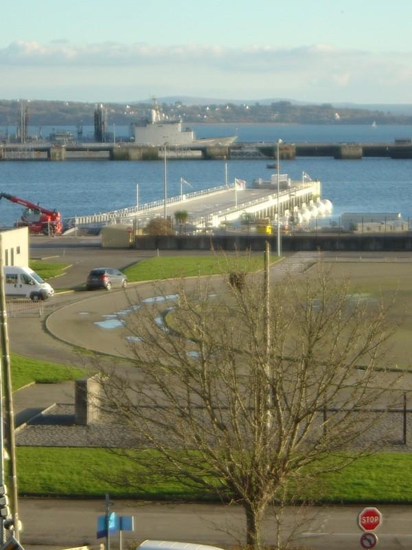 [Les ports militaires de métropole] Port de Brest - TOME 1 - Page 40 Dsc04110