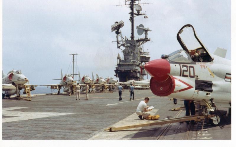 1/32nd F-8E Crusader - Page 2 30709310