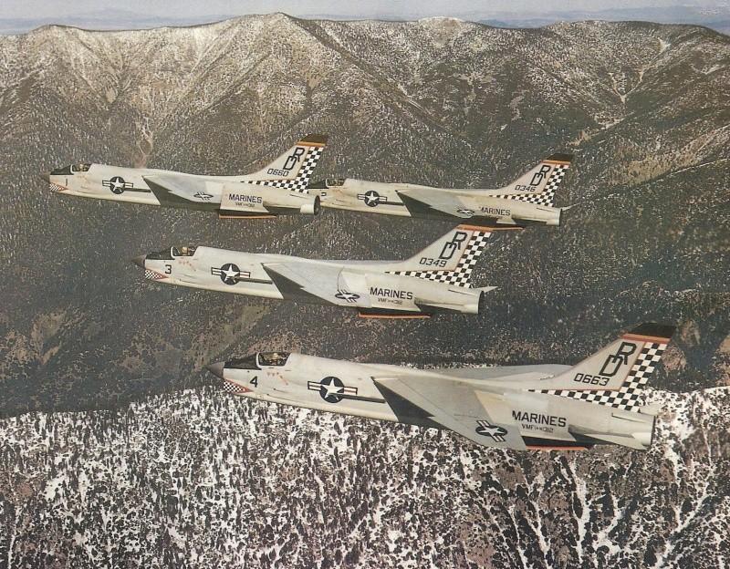1/32nd F-8E Crusader - Page 2 Checke10