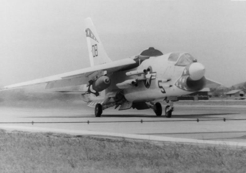 1/32nd F-8E Crusader - Page 6 F-8ewf10