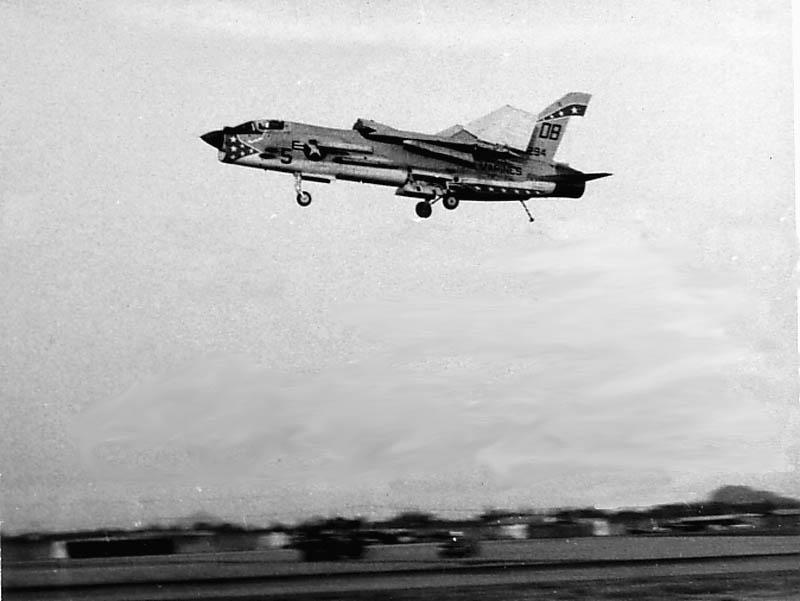 1/32nd F-8E Crusader - Page 3 F-8win10