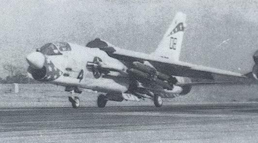 1/32nd F-8E Crusader - Page 4 F_8e_010