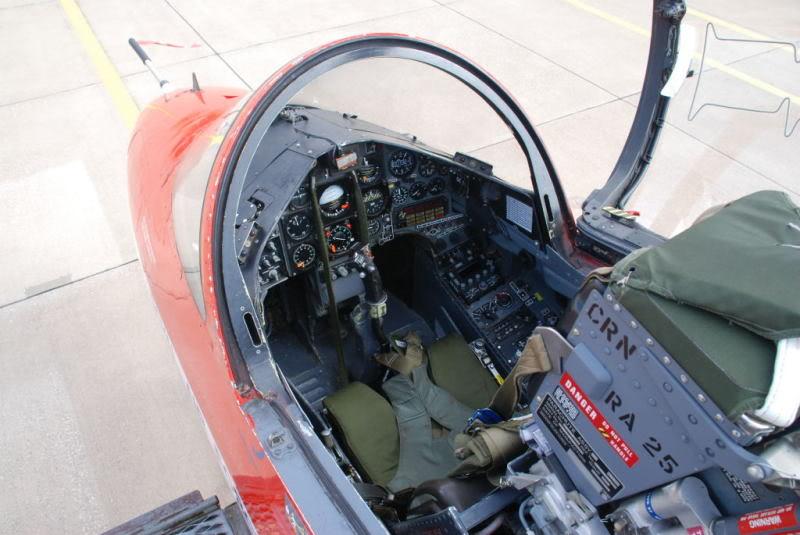 Red arrows  Red 4  xx179  italeri 1-48 Hawkwa10
