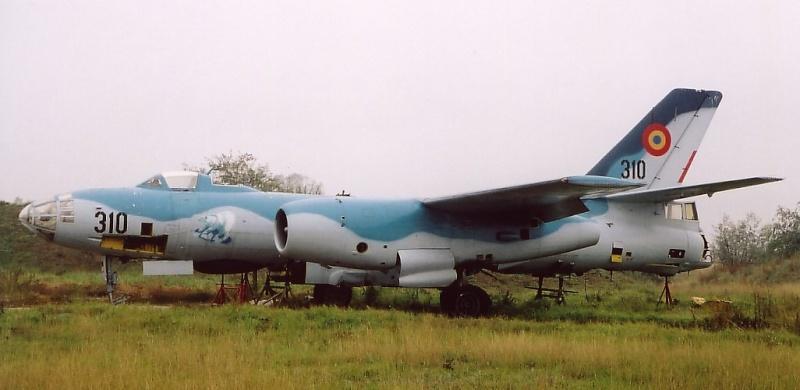 Romanian Il-28 (Actually a Harbin H-5R) Yr31010