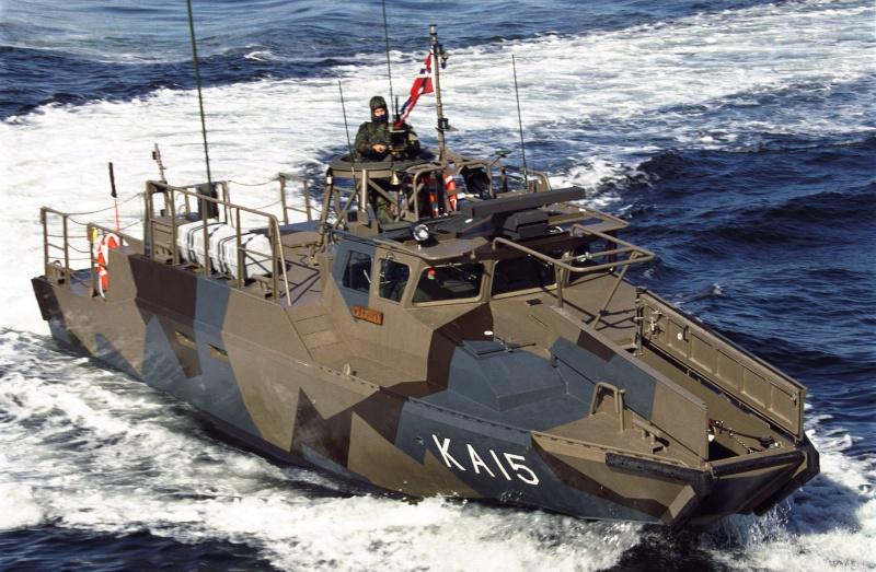 Barge de débarquement Cb90_010