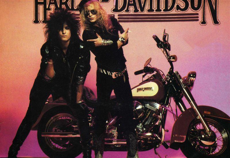 Ils ont posé avec une Harley - Page 40 1661010