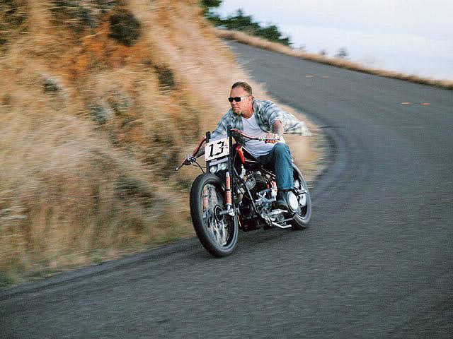 Ils ont posé avec une Harley - Page 38 43579910