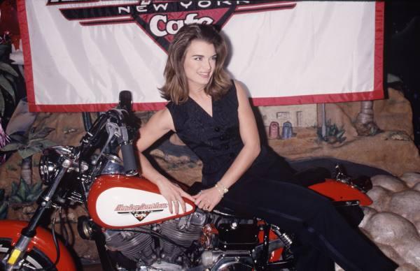 Ils ont posé avec une Harley, principalement les People A19