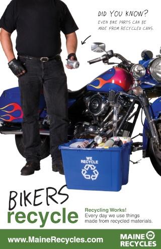 La Harley dans la pub Bikera11