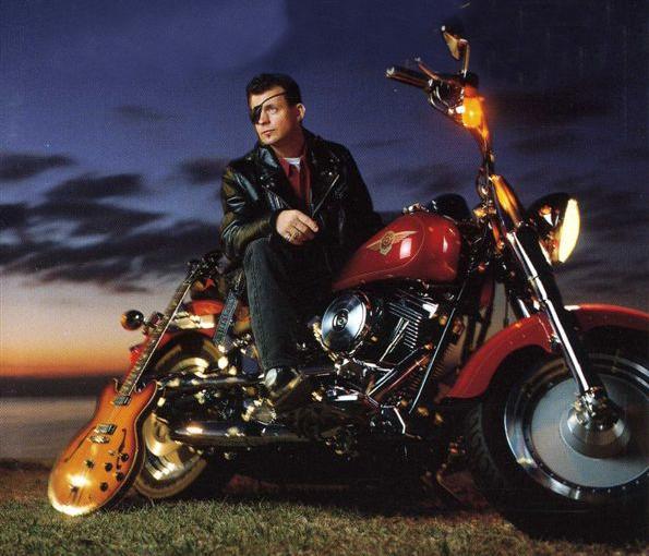 Ils ont posé avec une Harley - Page 5 E11