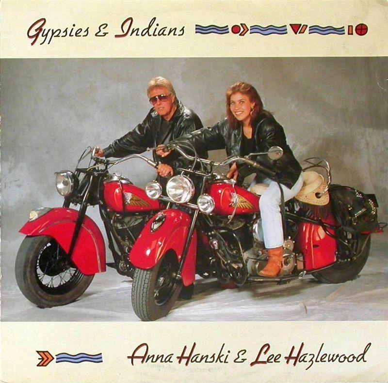 Ils ont posé avec une Harley, principalement les People Hanski10