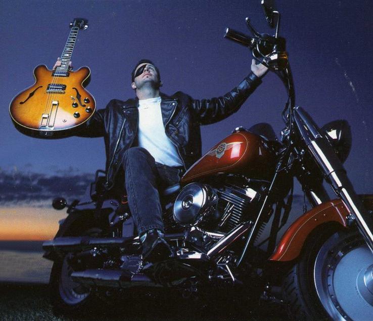 Ils ont posé avec une Harley - Page 5 Int10