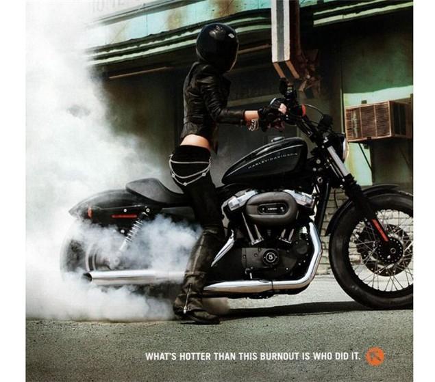 Ils ont posé avec une Harley - Page 39 Marisa10