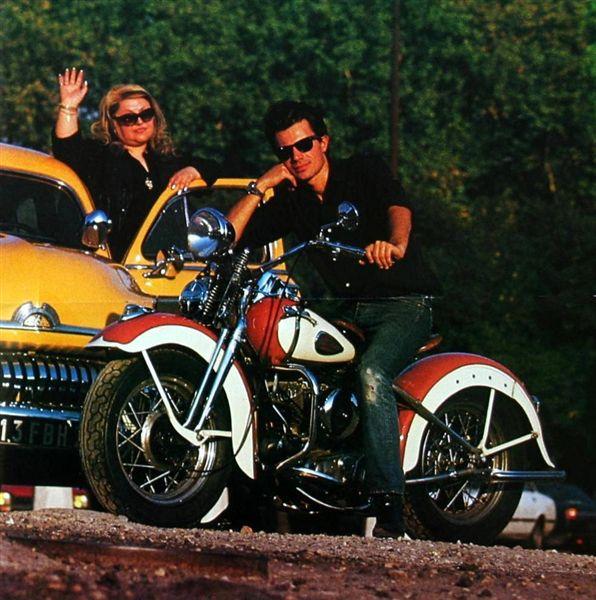 Ils ont posé avec une Harley - Page 40 Poster10