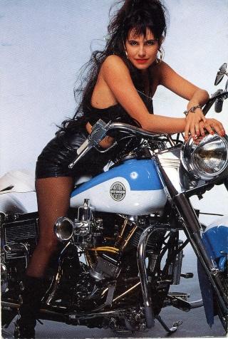 Ils ont posé avec une Harley - Page 3 Sc10