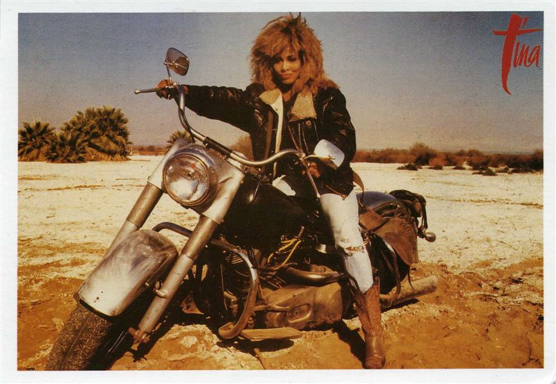 Ils ont posé avec une Harley - Page 3 Turner10