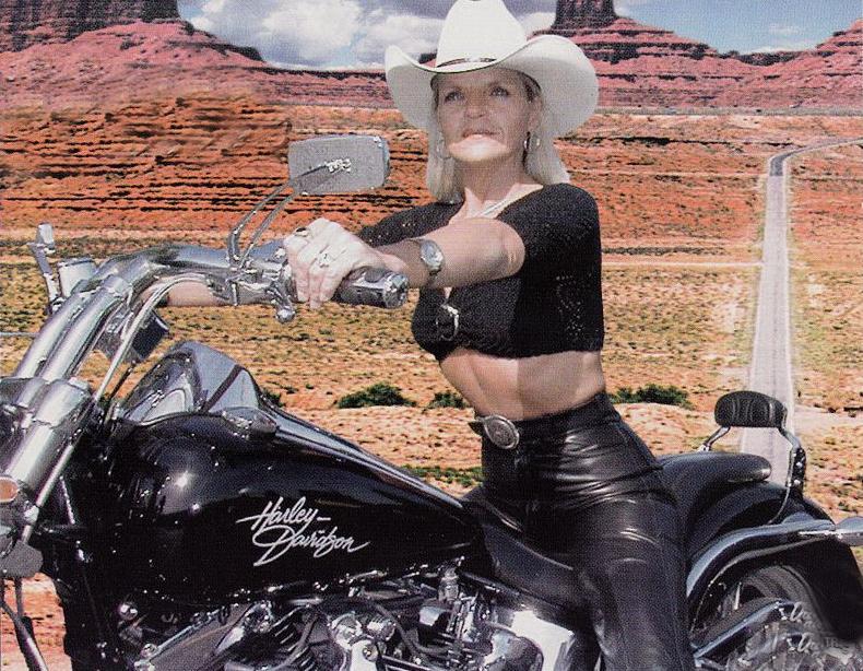 Ils ont posé avec une Harley - Page 2 Za11